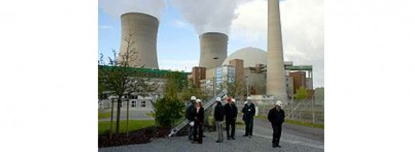 Pembangkit Listrik Tenaga Nuklir GrafenrheinfelddiJerman. Tanggal 30 Mei 2011, Kanselir JermanAngela Merkelmengatakan bahwa 17 pembangkit listrik yang ada di Jerman akan ditutup semuanya pada tahun 2022, sebagai respon atasBencana nuklir Fukushima Daiichidi Jepang.