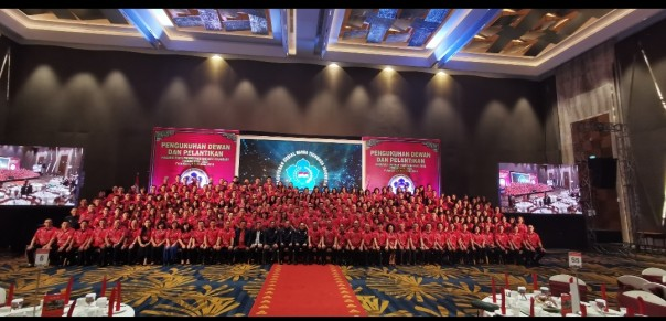 Foto bersama Dewan dan pengurus PSMTI Riau.(FOTO/PSMTI.dok)