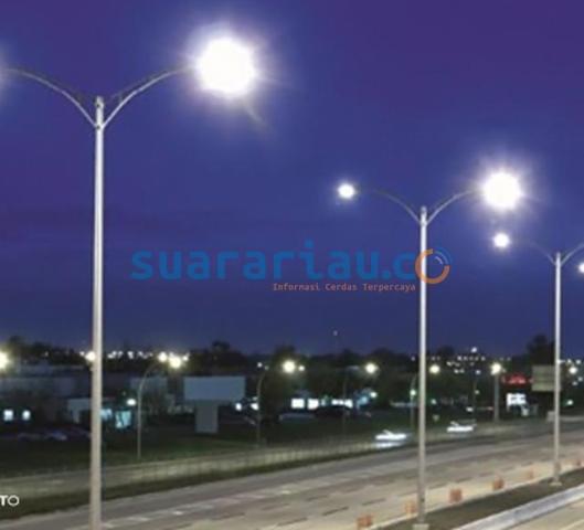 Ilustrasi lampu penerangan jalan umum.