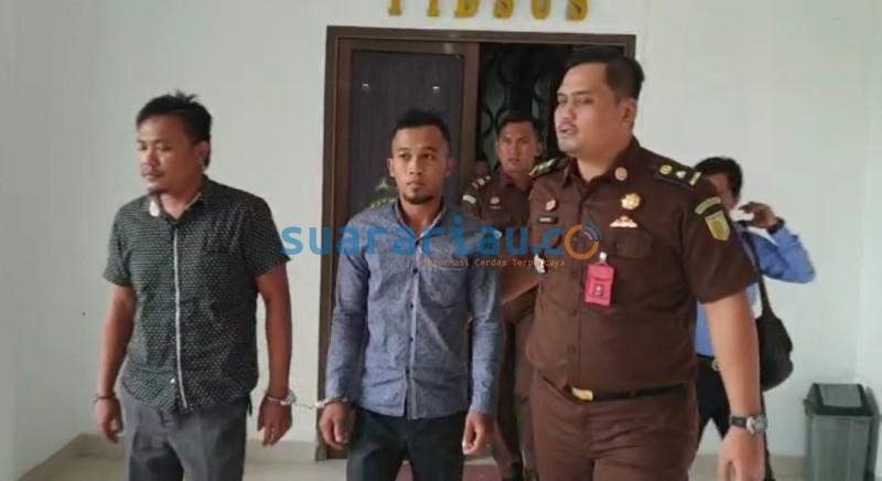 Jaksa Tahan Dua Tersangka Kasus UED SP Desa Bukit Batu ...