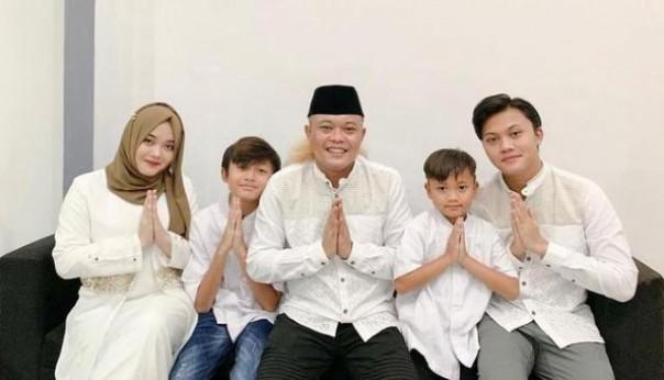 Sule bersama empat orang anaknya. Foto: int