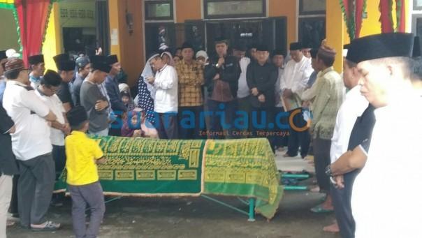 Pelepasan almarhum Mastur SE, mantan Sekwan DPRD Kuansing/ist