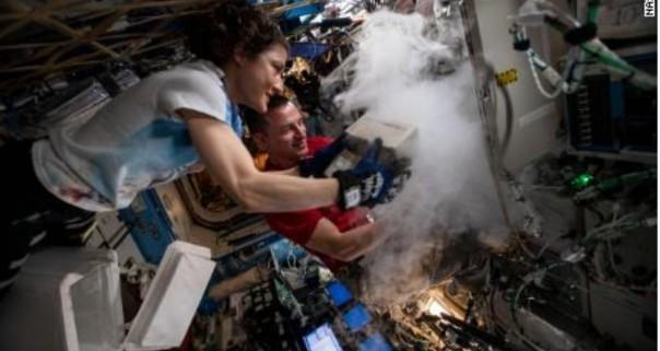 Christina Koch baru saja memecahkan rekor spaceflight terpanjang oleh seorang wanita