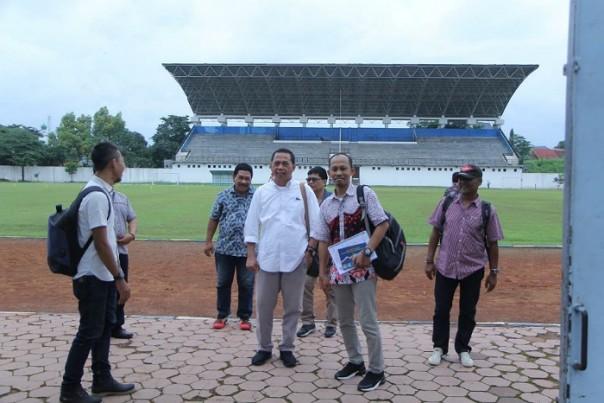 Pengurus PWI dan SIWO Jatim saat meninjau venue di Universitas Negeri Malang./ist