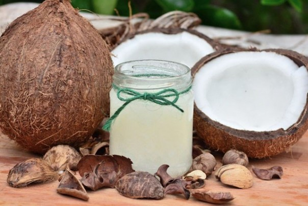 Minyak kelapa murni (VCO) diklaim sebagai minyak anti corona. /int