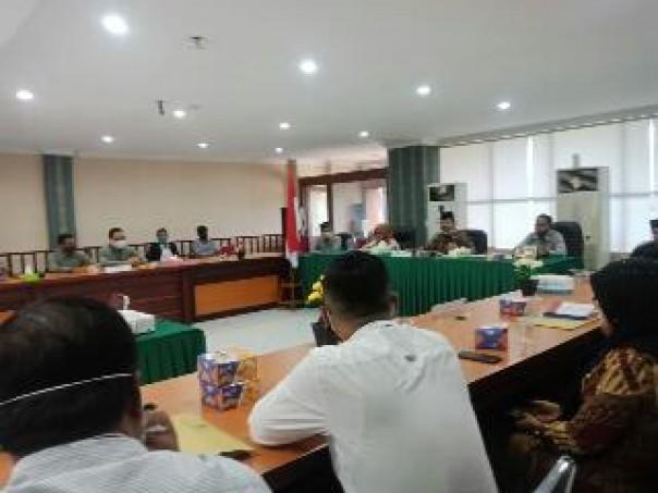 Suasana rapat monitoring dan evaluasi PPID Utama dengan Komisi Informasi Provinsi Riau, Selasa (7/6/2020). (istimewa)