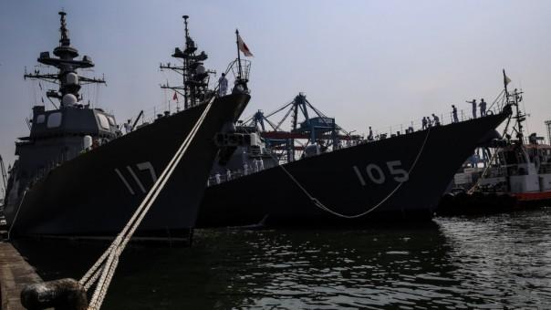 Kapal JS SUZUTSUKI DD-117, sebuah kapal perusak kelas Asagiri di Pasukan Bela Diri Jepang (MSDF) tiba di pelabuhan Tanjung Priok di Jakarta, Indonesia pada bulan September 2018 (Foto Dok Aljzeera