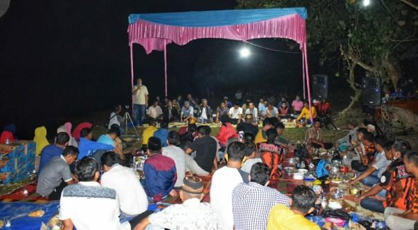 Ketua DPRD Kuansing Andi Putra menyampaikan sambutannya saat melayur jalur di Desa Tanah Bekali Pangean, Senin malam (3/8/2020)/ist