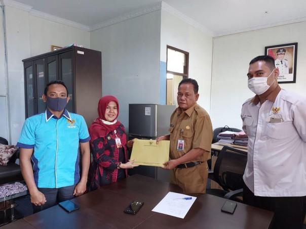 Komisi Informasi (KI) Provinsi Riau melakukan visitasi ke PPID Utama Pemerintah Kabupaten Rokan Hulu.