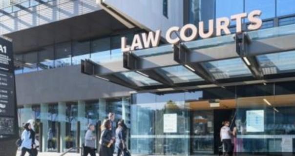 Sidang di Pengadilan Tinggi Christchurch diperkirakan akan berlangsung empat har, dimana hari Minggu (23/8/2020) adalah sidang pertama)i