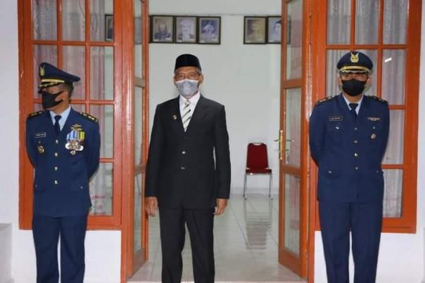 Wakil Wali Kota Pekanbaru (Wawako) Ayat Cahyadi SSi mengikuti kegiatan Apel Kehormatan dan Renungan Suci/ADV