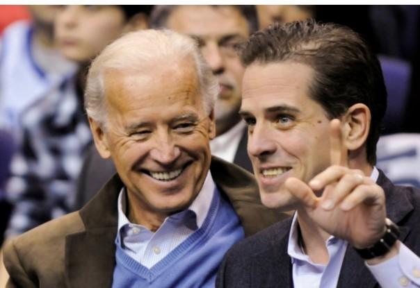 Kandidat presiden Partai Demokrat Amerika Serikat Joe Biden menghadapi pertanyaan tentang urusan bisnis putranya, Hunter [File/ Reuters]