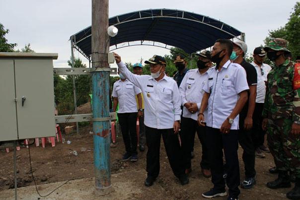H.M.Haris meresmikan penambahan satu unit terafo listrik PLTD berkekuatan 100 KVA di Dusun 1 Desa Serapung/suarariau