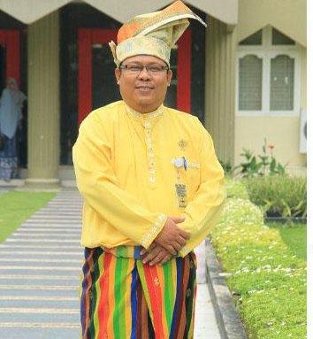 Wakil Rektor I Unilak Zamzami. S. Kom. M. Kom/ist