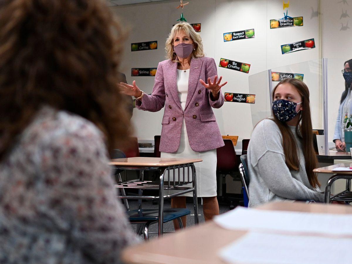 Pertama Kali Ibu Negara AS Kembali Bekerja Mengajar Langsung