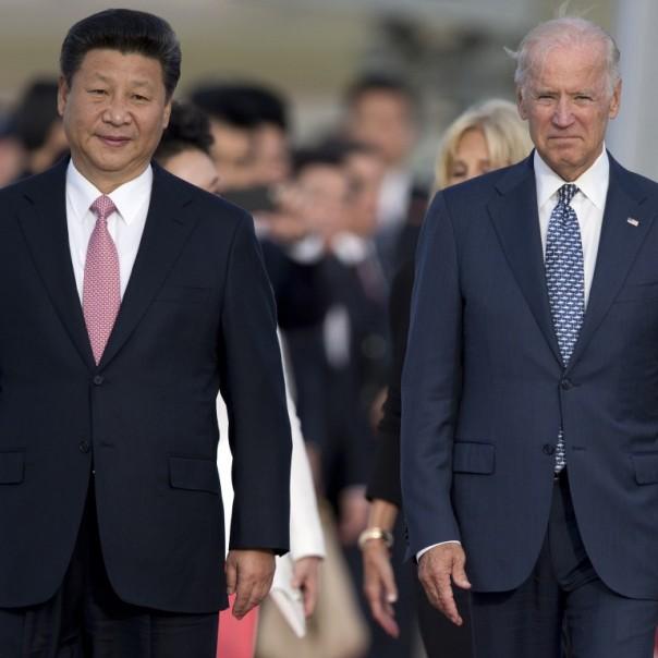 Joe Biden menyambut Xi Jinping ke AS selama kunjungan tahun 2015.  (Foto/ AP )