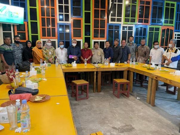 Jajaran Pengurus FMKT berfoto bersama dengan Dewan Penasehat usai pertemuan silaturahmi Kamis 21 Januari 2021
