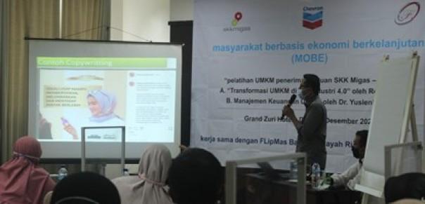 Kegiatan pelatihan bagi para pelaku UMKM di Duri, Bengkalis, pada Desember lalu yang merupakan hasil kerja sama SKK Migas - PT CPI dan FLIpMAS Batobo.(Sumber Foto/Chevron)