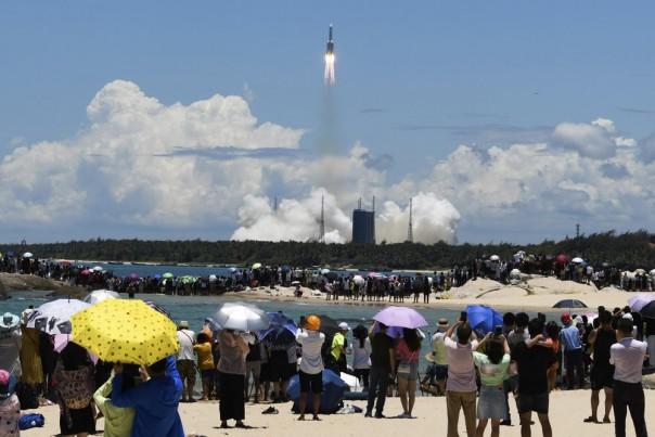 Peluncuran wahana antariksa