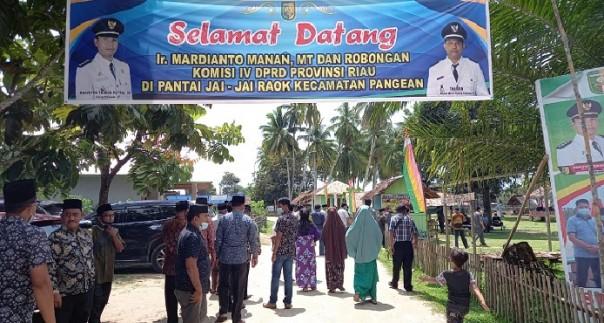 Kunjungan insidentil anggota komisi IV DPRD Riau ke Pantai Jai Jai Raok Pangean, Kuansing/IST
