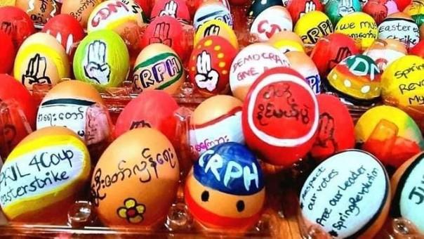 Telur Paskah dalam perayaan Paskah di Myamar dilakukan para pendemo sebagai simbol pembangkangan.(int)